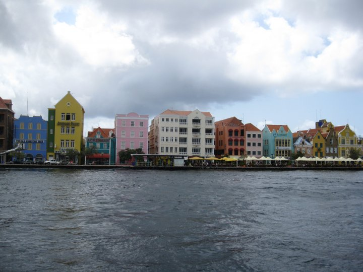 Lee Jones_Curacao1